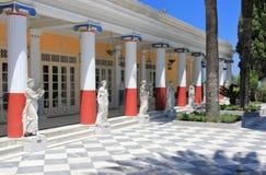 Statuen in der Achilleions-Terrasse Gastouri eine Korfu-Insel, Griechenland Stockbild