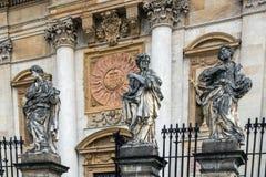 Statuen der Apostel I Stockbild