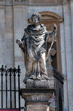 Statuen der zwölf Apostel in Krakau, an der Kirche Peter und St Paul Stockfotos