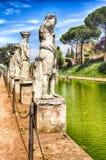Statuen des Caryatides am Landhaus Adriana, Tivoli Stockbild