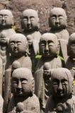Statuen des japanischen Mönchs Jizo Lizenzfreie Stockfotos