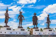 Statuen-großen Königs von Thailand in Rajabhakti-Park Lizenzfreies Stockfoto