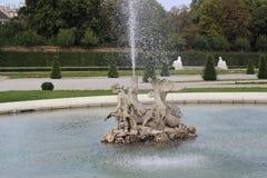 Statuen im Belvederegarten-Garten Wien Stockfotos