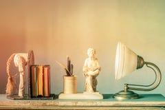 Statuen und Verzierungen von altem Stockfotos