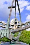 Statuen in Vigeland parken ausführlich Oslo-Sonnenuhr stockfotografie