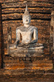 Statuen von Buddha sitzen, Wat Sa Si, Sukhothai. Stockfotografie