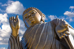 Statuen von Buddha am thipsukhontharam in Thailand lizenzfreies stockbild