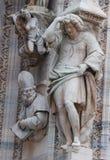 Statuen, welche die Duomokathedrale in Mailand schmücken Stockfoto