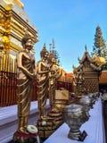 Statuenmönch im Freien bei Doi Suthep Lizenzfreies Stockfoto