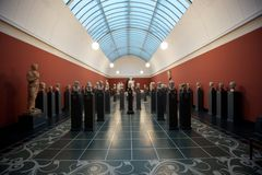 Statues à un Musée d'Art Photo libre de droits