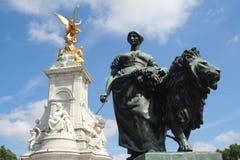 Statues. In London, near Buckingham Palace Stock Photography