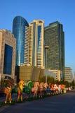Statues colorées des chevaux à Astana Photo libre de droits