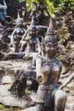 Statues d'anges en jardin de magie de Bouddha Images stock
