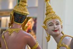Statues dans l'aéroport de Bangkok Photographie stock