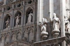 Statues dans la façade Photographie stock libre de droits