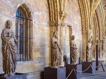 Statues dans le cloître - Léon Photographie stock