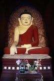 Statues découpées par pierre de Devas au Cambodge Image stock