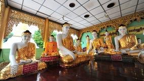 Statues de Bouddha dans la pagoda de Shwedagon Photos libres de droits