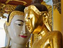 Statues de Bouddha dans la pagoda de Shwedagon, Yangon Photos stock