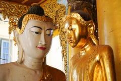 Statues de Bouddha dans la pagoda de Shwedagon, Yangon Photographie stock