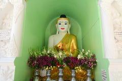 Statues de Bouddha dans la pagoda de Shwedagon, Yangon Photos libres de droits