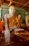 Statues de Bouddha dans la pagoda de Shwedagon, Yangon Photographie stock libre de droits