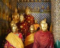 Statues de Bouddha dans la pagoda de Shwedagon, Yangon Photo libre de droits