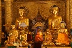Statues de Bouddha en position de Bhumiparsa Mudra Images libres de droits