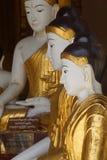 Statues de Bouddha en position de Bhumiparsa Mudra Image stock