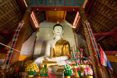 Statues de Bouddha en Wat Phra That Doi Yuak Pong District, Phayao P Images stock