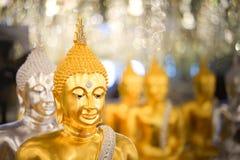 Statues de Bouddha, visage d'or Bouddha, Images stock