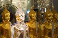 Statues de Bouddha, visage d'or Bouddha, Photos stock