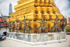 Statues de gardien de démon chez Wat Phra Kaew image libre de droits