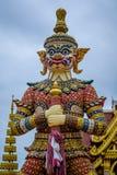 Statues de gardien de démon décorant le temple bouddhiste dans Udon Thani, Thaïlande Image stock