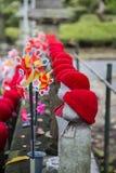 Statues de Jizo au parc de Shiba à Tokyo Photos libres de droits