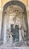 Statues de marbre dans le cimetière Image libre de droits