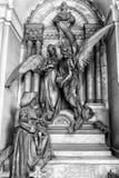 Statues de marbre dans le cimetière Photographie stock