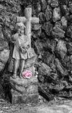 Statues de marbre dans le cimetière Photos libres de droits