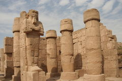 Statues de Ramses dans Karnak Photos stock