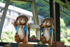 Statues de Tanuki Tanuki est un animal japonais ressemble à un raton laveur photo stock