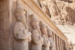 Statues at deir-al-bahari temple Royalty Free Stock Photography