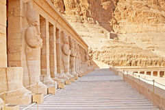 Statues on facade of palace of Hatshepsut, Luxor, Egypt Royalty Free Stock Photos