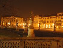 Statues in the night Royalty Free Stock Photos