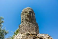 Statues préhistoriques dans les collines de la Corse - 2 Photographie stock libre de droits
