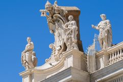Statues on the roof of St. Peter Cathedral in Stock Photos