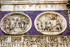 Statues Sculptures Arch of Constantine Rome Italy. Arch built in 315 AD to celebrate Emperor Constantine`s victory in 312 over co-emperor Maxenntius Stock Photo