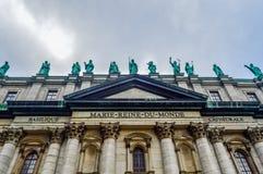Statues sur la Cathédrale-basilique de Mary Photos stock