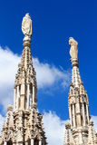Statues sur Milan Cathedral Photographie stock