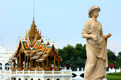 Statues and Thailand pavilion Royalty Free Stock Photos
