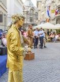 Statues vivantes de public à Bucarest Image libre de droits